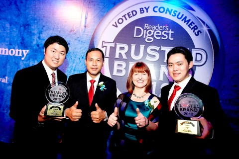 LG-Readers-Digest-Trusted-Brand-Awards-2012-Mobile