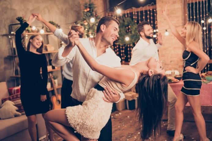 ออกไปเต้นกันบ้าง